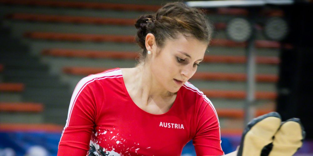 Adriana Mathis 01