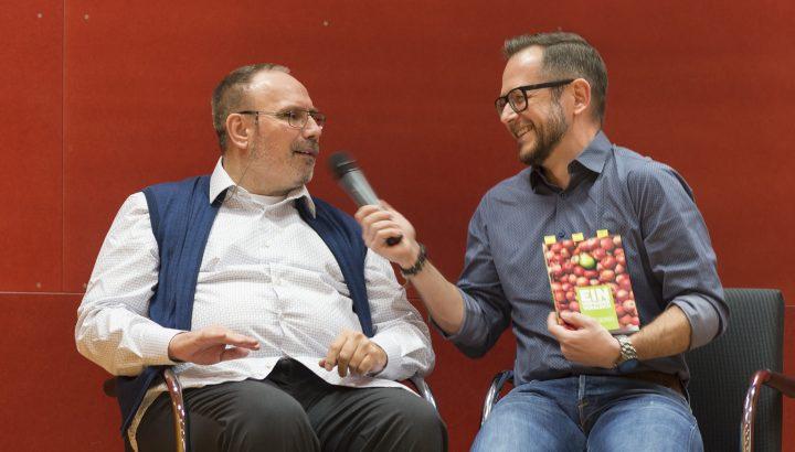 """Buchpräsentation: """"Ein unfairer Vergleich"""" – Kurt Gerszi im Olympiazentrum 02"""
