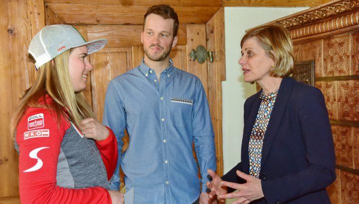 LR Schöbi-Fink würdigte Vorarlberger Ski-Asse Liensberger und Hirschbühl 01